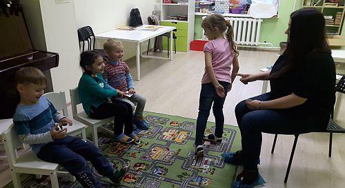 Занятия проходят в форме игровых заданий