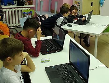 Дети увлечены в процесс разработки