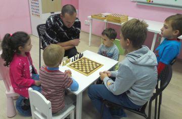 Занятия проходят под руководством опытного тренера
